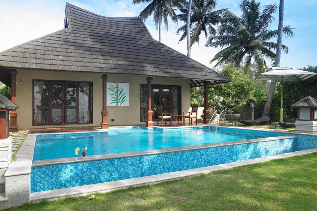 Best 10 best backwater resorts in kerala kerala tourism for Resorts in wayanad with swimming pool